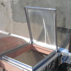 Domos abatibles skydom skydom for Techos de policarbonato para azoteas